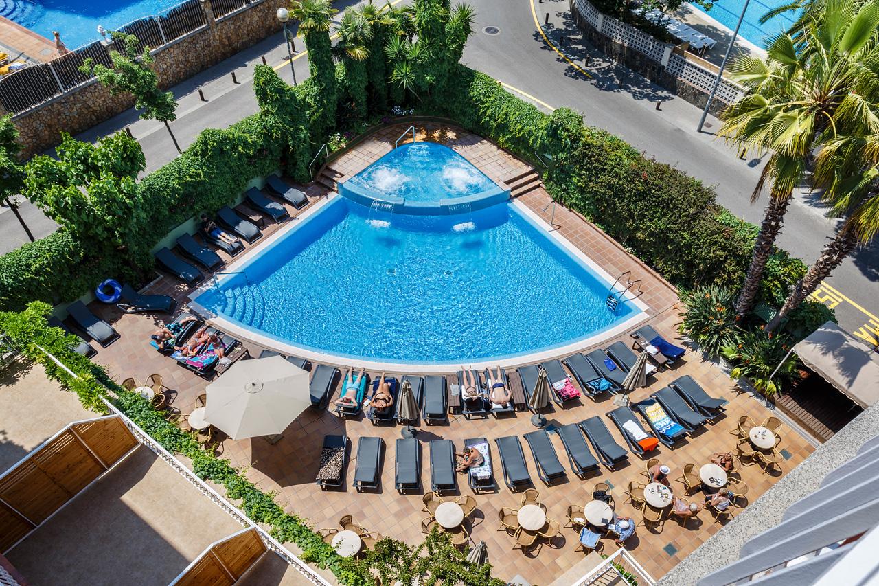 Piscina hotel acapulco lloret hotel acapulco lloret de mar for Piscina lloret