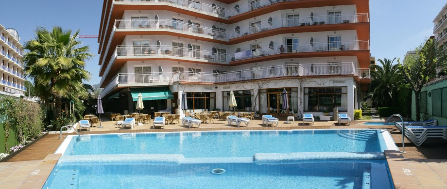 Swimming pool hotel acapulco lloret de mar gironahotel acapulco lloret de mar Girona hotels with swimming pool
